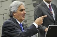 Mesmo preso, Delcídio permanece como senador e receberá R$ 33,7 mil de salário