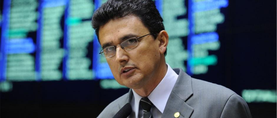 Não vai ter golpe; Dilma fica