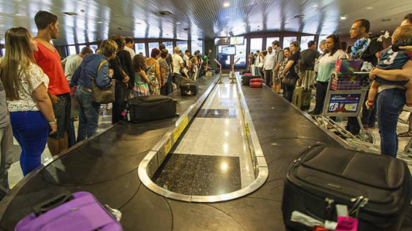 Para brasileiro, esperar mala estraga o prazer de voar, revela pesquisa