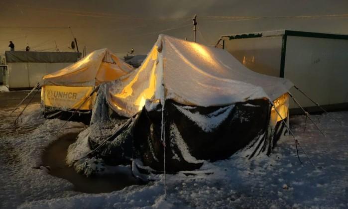 Com temperaturas abaixo de zero, refugiados adoecem na Europa