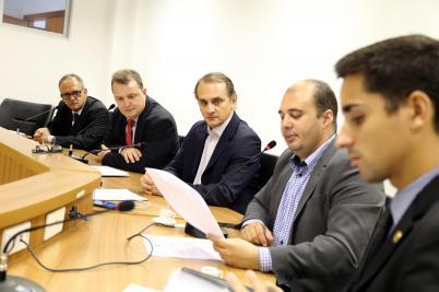 Ministério Público : CPI aprova convocação de auditores do TCE