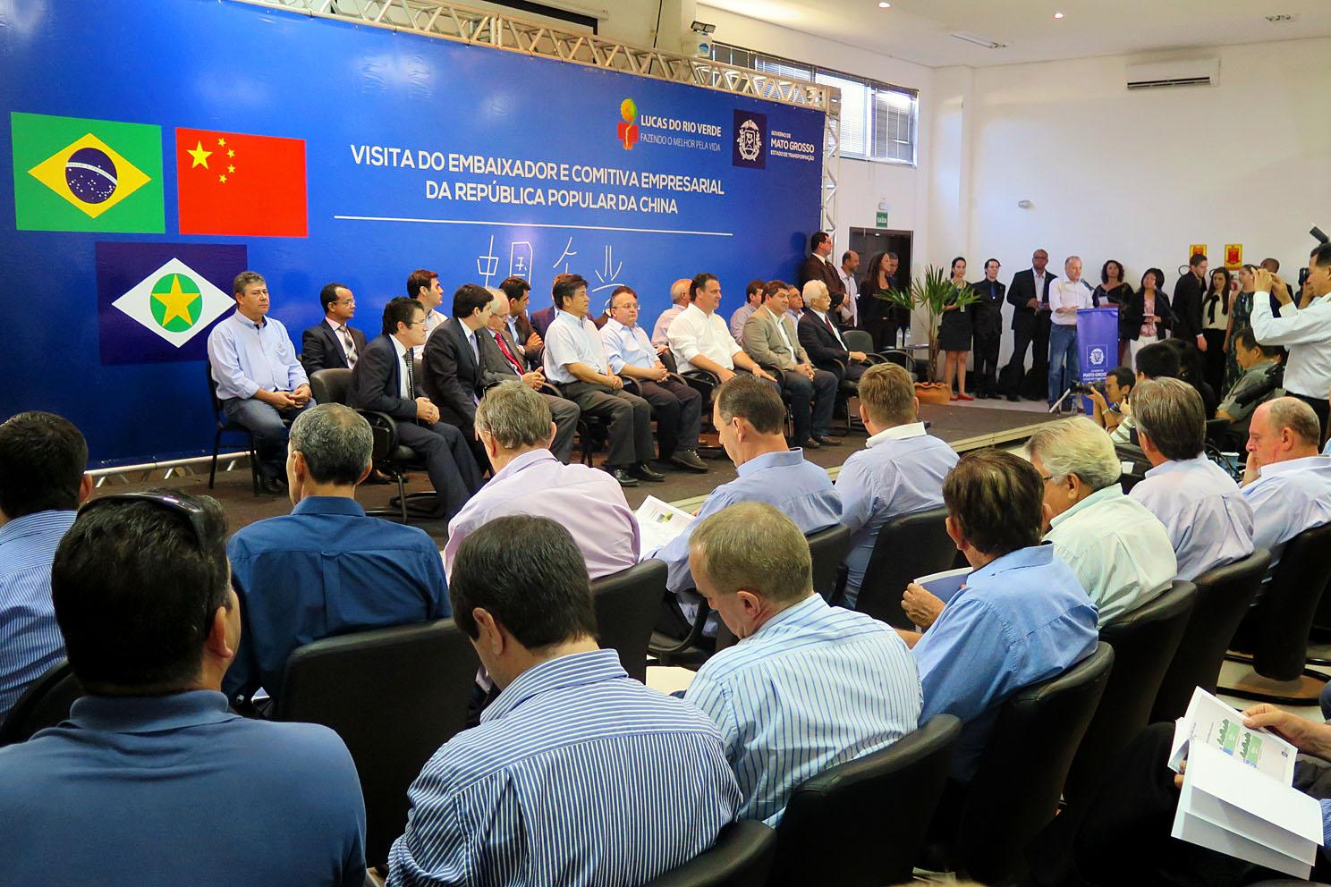 Transoceânica : Fávaro defende importância de ferrovia em reunião com chineses