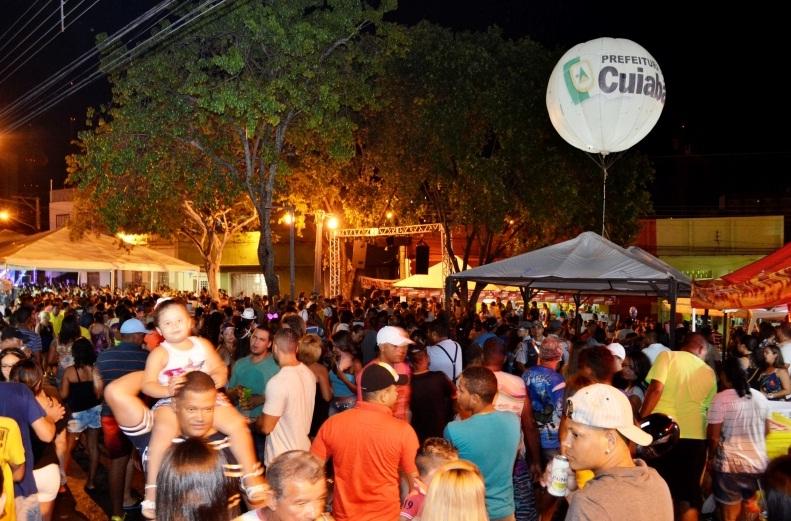 Folia na Praça : Carnaval na Praça da Mandioca em Cuiabá, atrai 20 mil foliões em três dias de festa