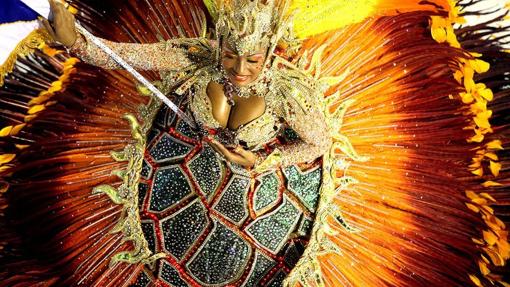 Movimento : Veja os melhores GIFs da primeira noite do carnaval do Rio