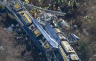 Choque de trens mata pelo menos 10 e fere dezenas na Alemanha