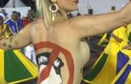 Carnaval em São Paulo: Destaque da Peruche é expulsa da avenida por despir parte da fantasia