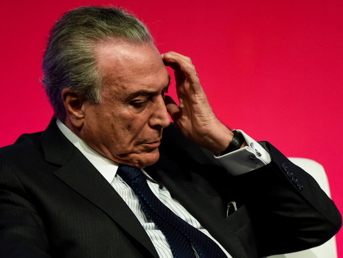 Michel Temer nega articulação pela saída da presidente e PGE não vê gravidade para cassar mandato de Dilma Rousseff