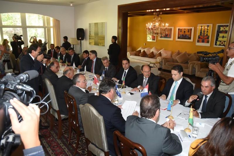 Em Brasilia : Pedro Taques discute renegociação da dívida em Fórum Permanente dos Governadores