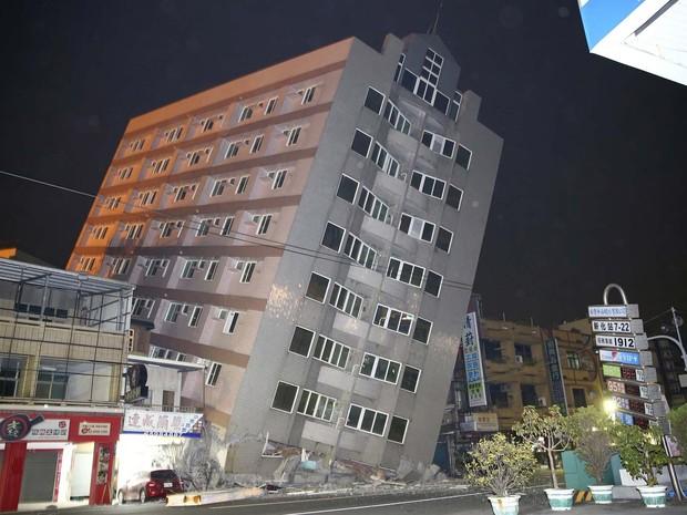 Forte terremoto deixa mortos e mais de 100 soterrados em Taiwan