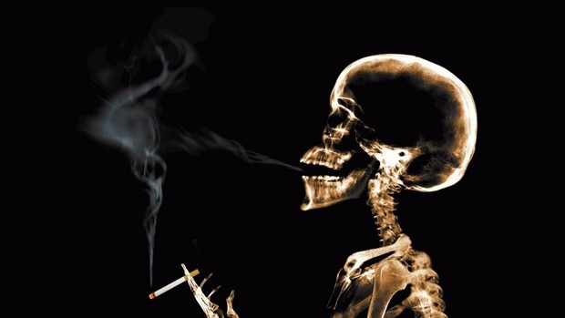 Melhor maneira de largar o cigarro é parar de uma vez, diz estudo