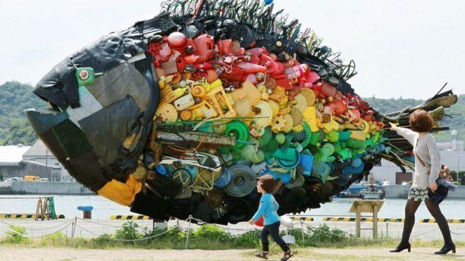 Dá para saber se haverá mais peixes ou plástico nos oceanos em 2050?