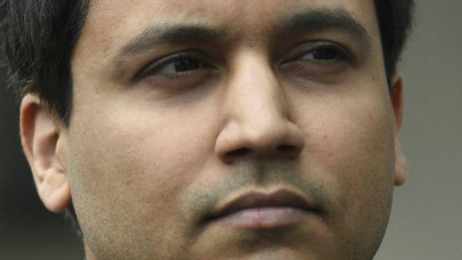 Quem é o britânico acusado de provocar um crash na bolsa de NY da casa dos pais em Londres