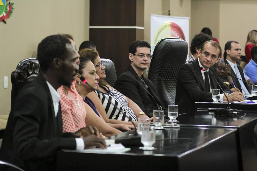 Deputado defende cidadão universal durante debate sobre política migratória