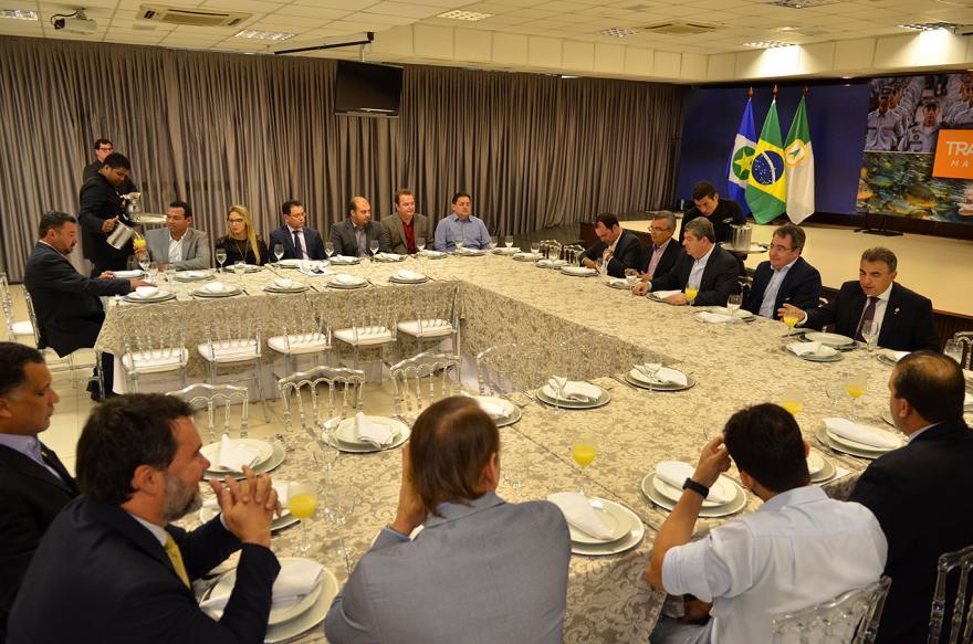 Líder diz que diálogo de deputados com governador em exercício é positivo