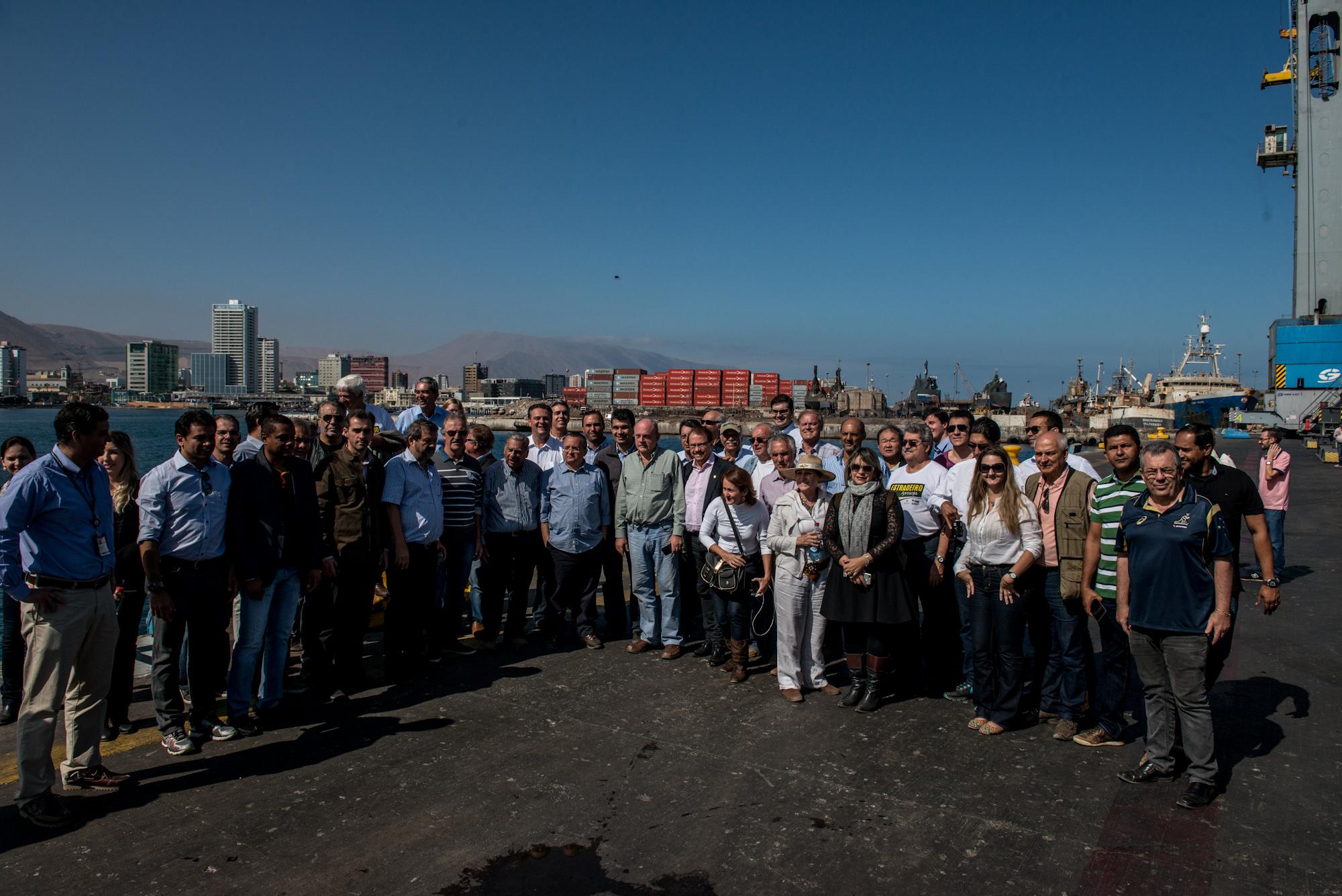 Comitiva participa de visita técnica em porto no Chile
