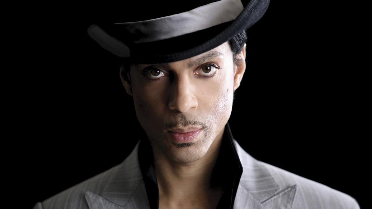 Autópsia descarta suicídio em morte de Prince