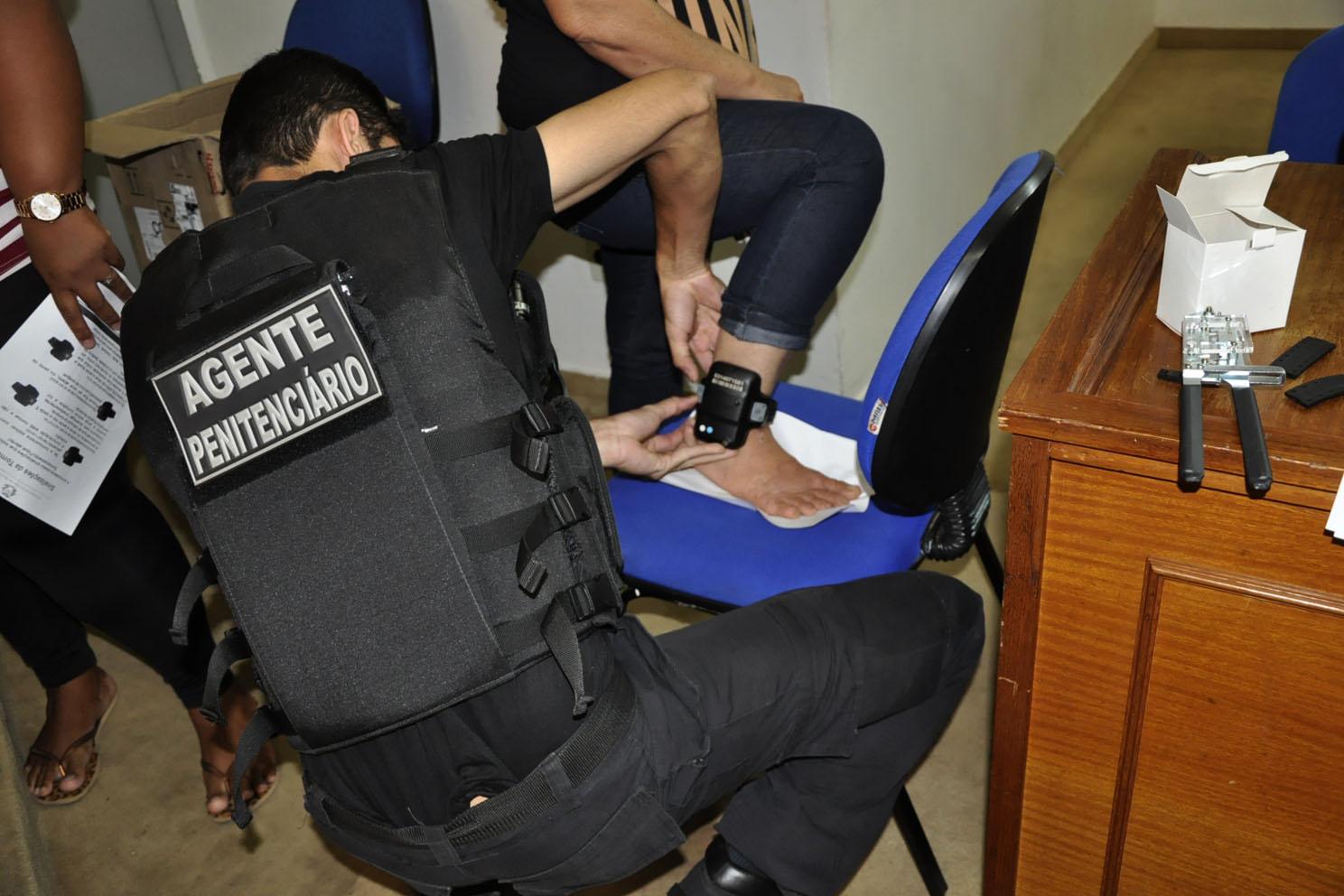 Servidores são capacitados para atuar no monitoramento de tornozeleiras