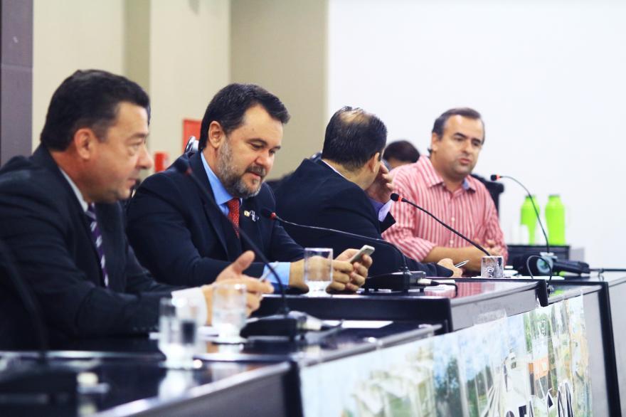 CPI das Obras da Copa pede autorização judicial para ouvir Silval e ex-deputado Riva