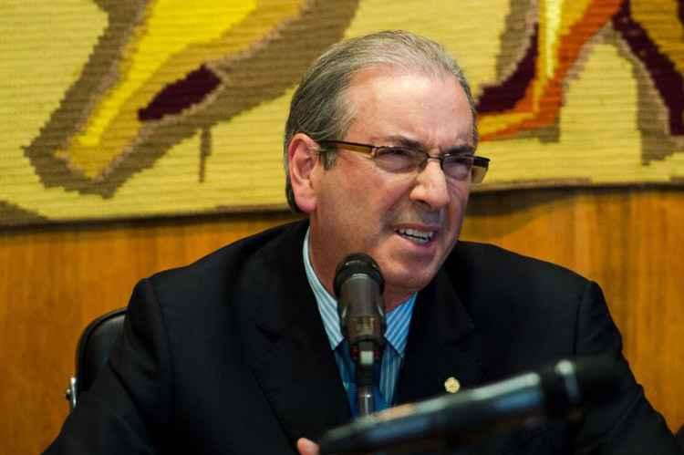 Ministro do STF, Teori determina afastamento de Cunha do mandato