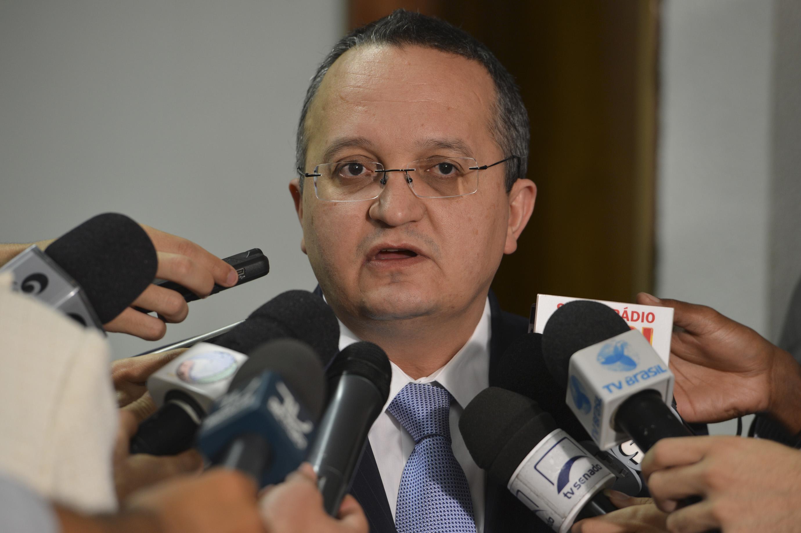 """""""Vamos virar a chave da saúde"""", assegura Taques em entrevista ao vivo a rádios de MT"""