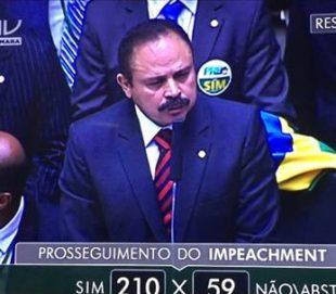 Câmara anula votação do impeachment