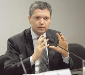 Ministro Fabiano Silveira decide deixar o cargo. Segunda Baixa no Ministério de Teme