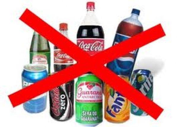 Coca, Ambev e Pepsi fazem acordo e param de vender refrigerante em escolas