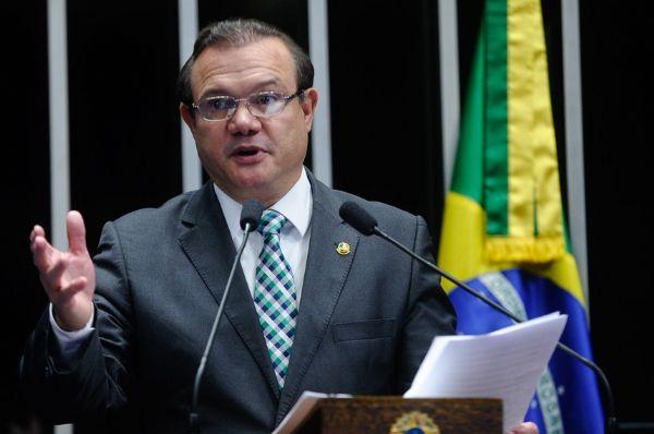 Wellington defende projeto que redistribui R$ 6 bilhões aos municípios
