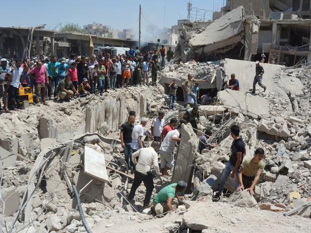 Atentado em cidade curda do norte da Síria deixa dezenas de mortos