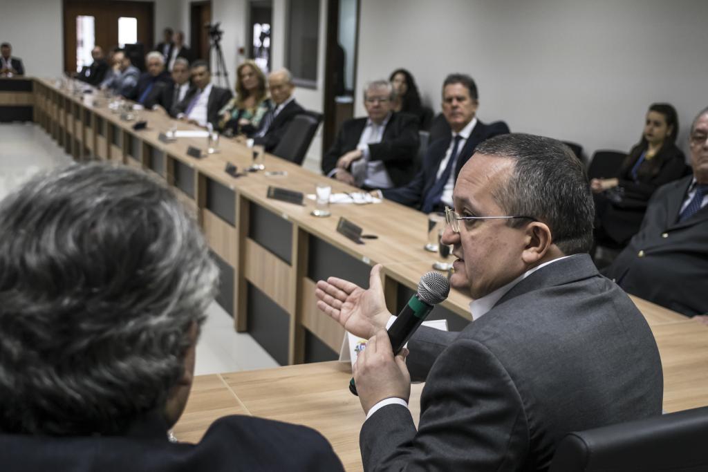 Governador apresenta finanças a procuradores e discute Pacto por Mato Grosso