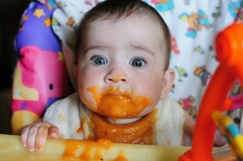 Mel, morango, kiwi e mais: o que esses alimentos proibidos podem causar ao bebê