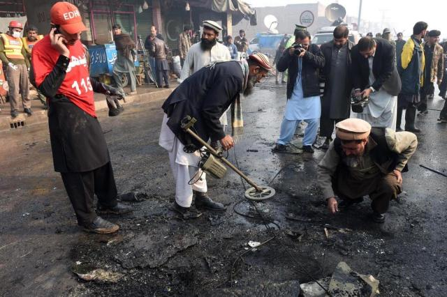 Atentado com bomba deixa 70 mortos em hospital do Paquistão
