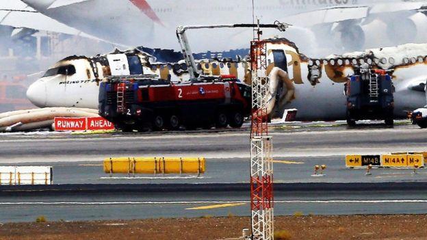 Sobrevivente de acidente de avião ganha prêmio milionário na loteria