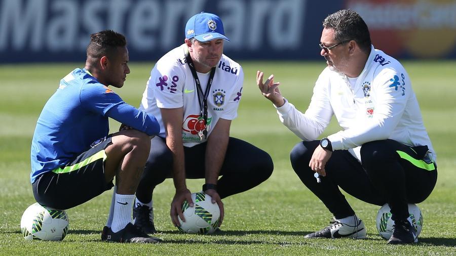Carta branca a Neymar gera crise na seleção; jogadores questionam Micale