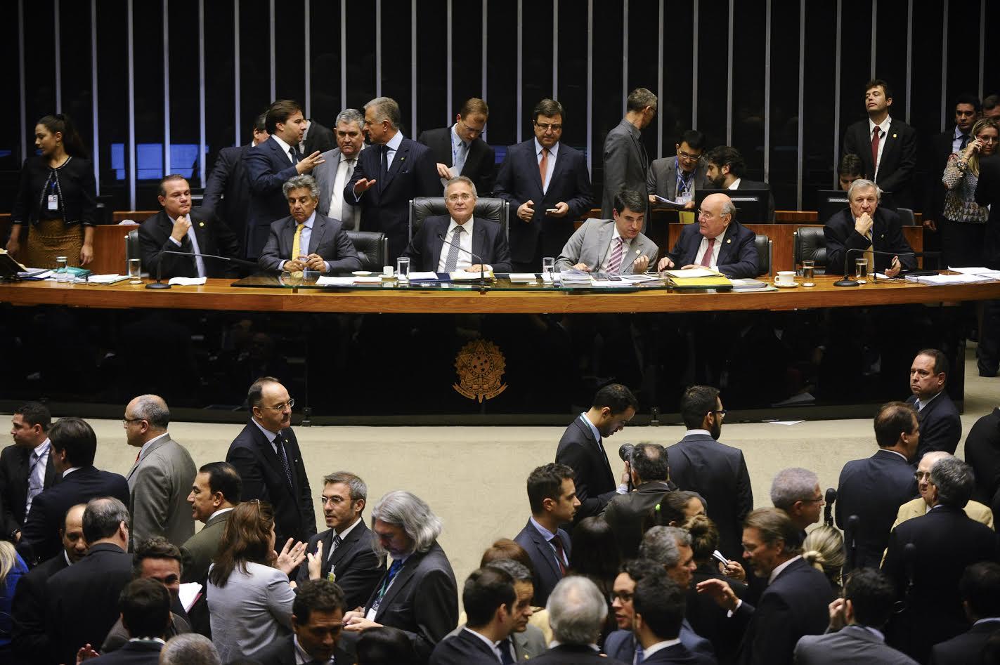 LDO garante R$ 11 bilhões a mais para saúde e prevê verbas e nomeações para a Educação