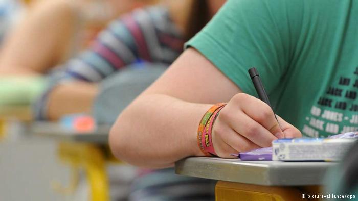 Município adota o ' Escola sem Partido'