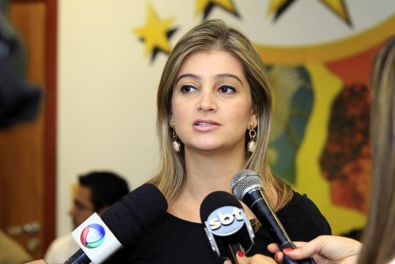 Luciane Bezerra tem ampla vantagem na disputa em Juara, revela pesquisa Access