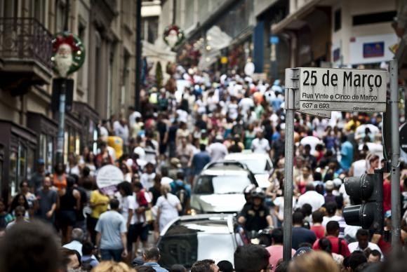 População parda quase se iguala à branca no país, segundo Pnad