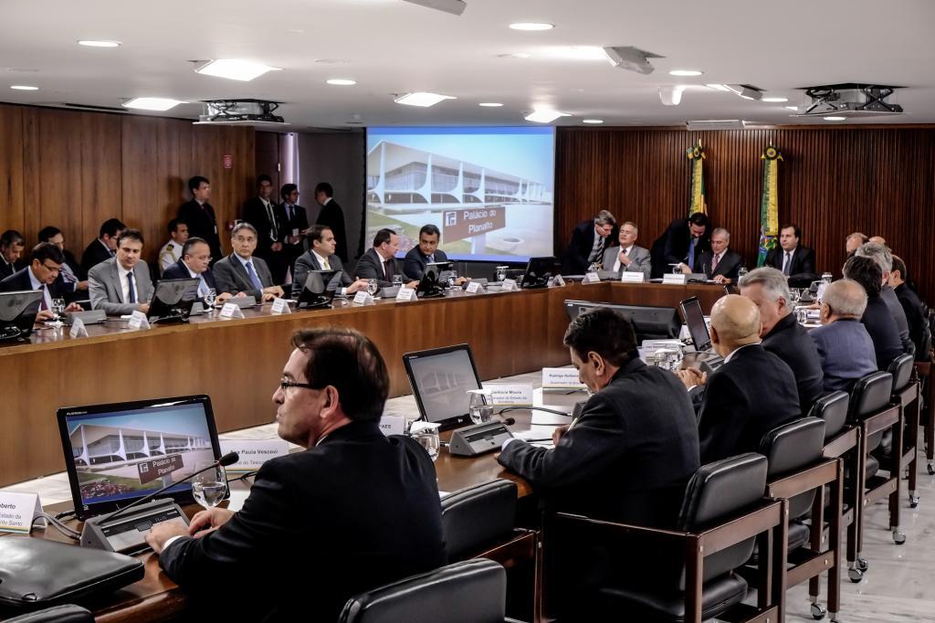 Governadores firmam pacto nacional para equilíbrio das contas públicas