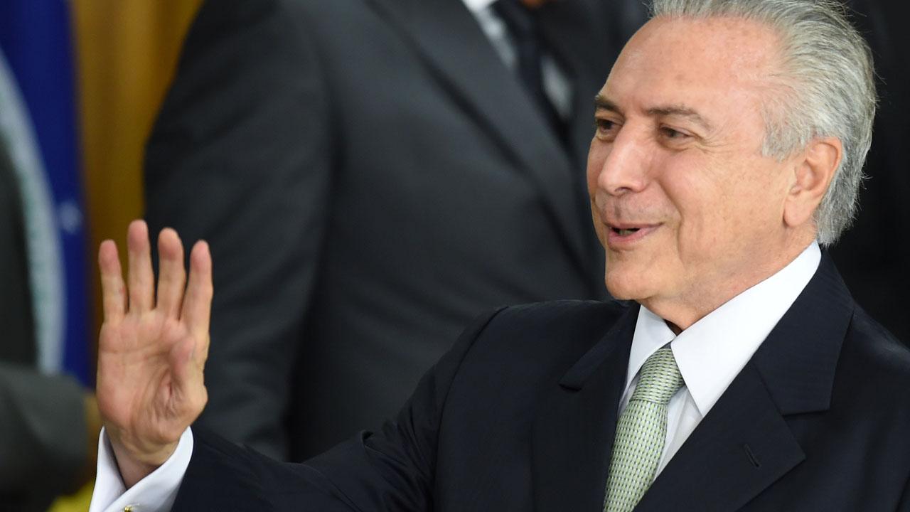 PEC 55 :Temer comemora aprovação e diz que teto dos gastos tirará Brasil da recessão