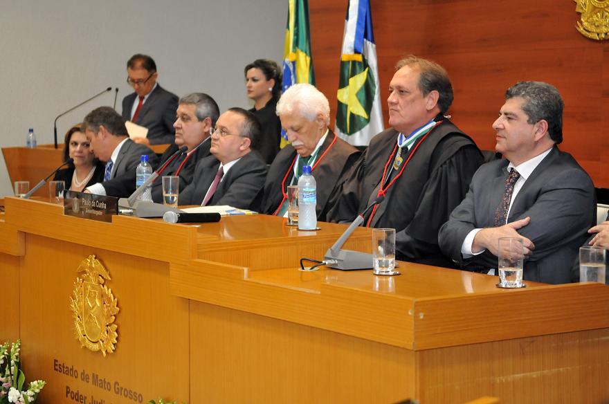 Mesa Diretora da ALMT enfatiza apoio à nova diretoria do TJMT e parceria dos poderes