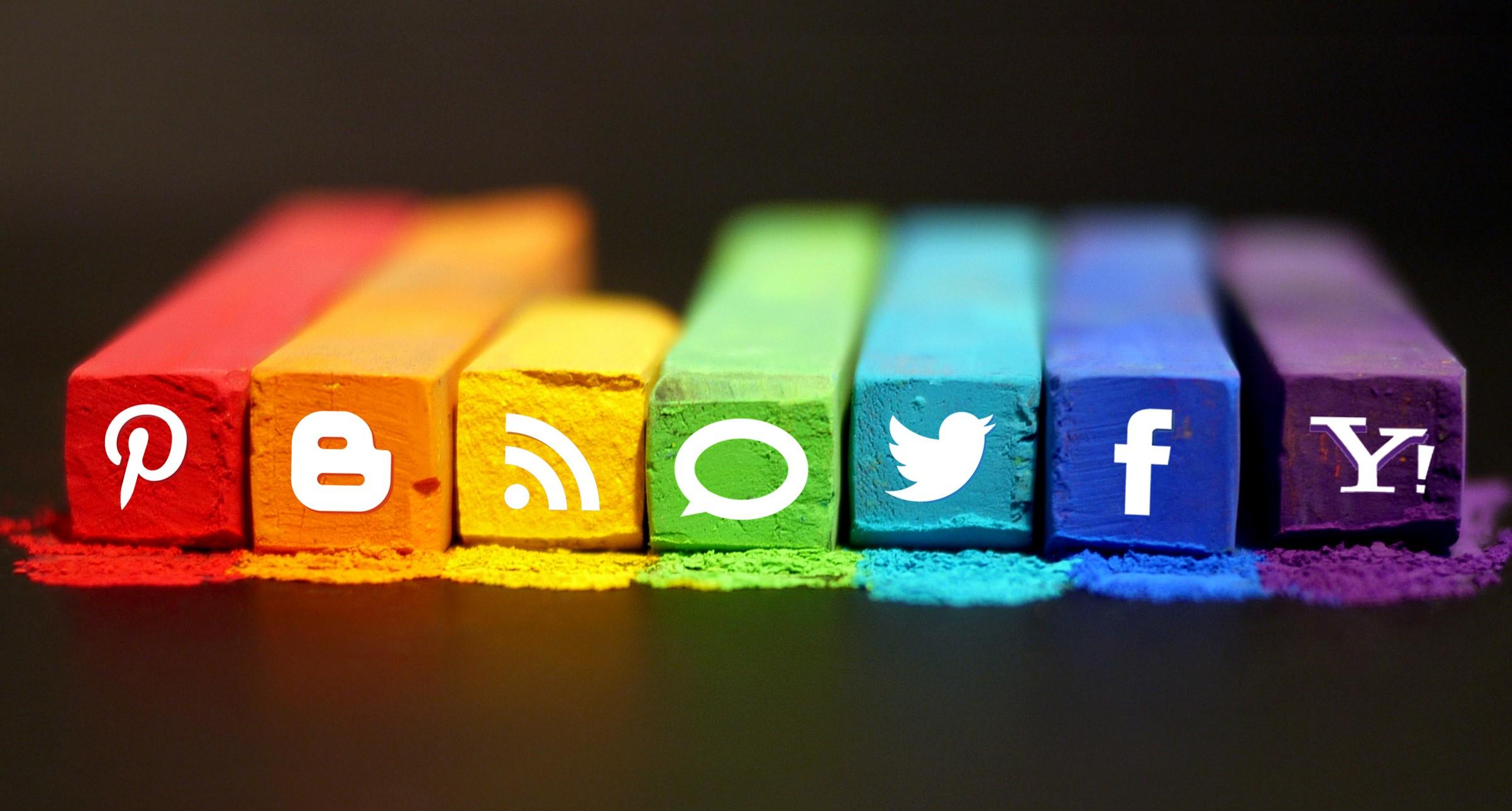 O que suas postagens nas redes sociais revelam sobre suas emoções