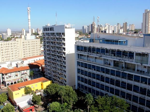 Dívidas da prefeitura de Cuiabá chegam a R$ 65 milhões, diz prefeito