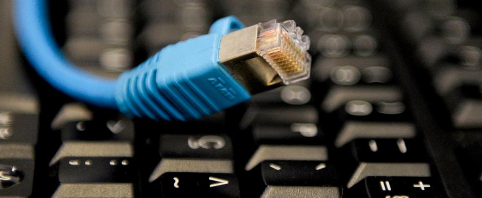 Governo confirma que limitará dados na banda larga fixa neste ano