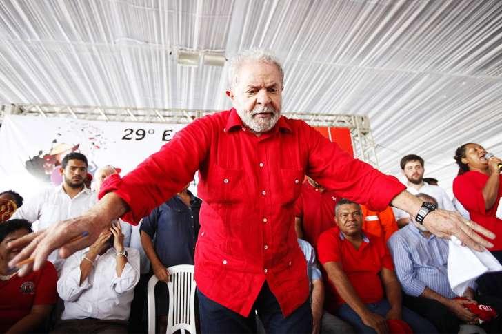 ' Vamos voltar a governar este país ', diz Lula em ato em Salvador