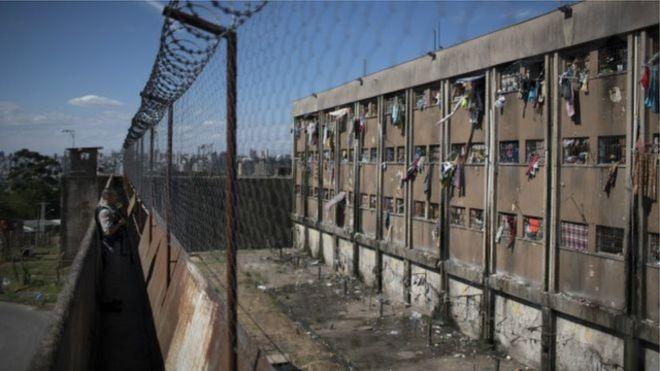 Lei de Drogas é 'fator chave' para aumento da população carcerária, diz ONG