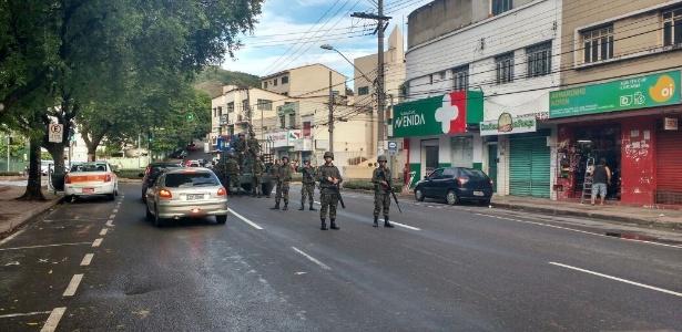 Mesmo com Exército, ruas permanecem vazias e lojas fechadas na Grande Vitória