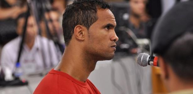 Ministro do STF manda soltar ex-goleiro Bruno