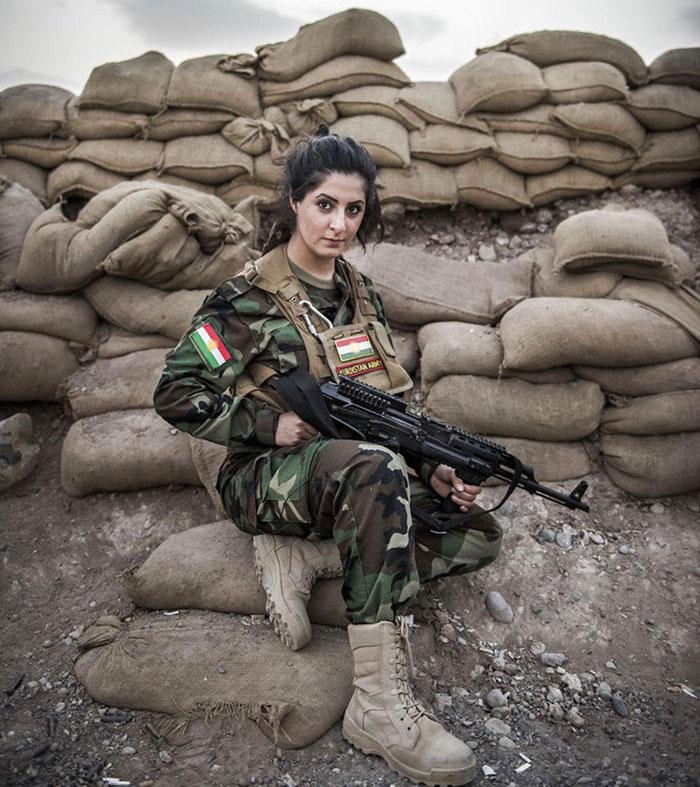 Jovem mata 100 militantes do Exército Islâmico e tem recompensa de US$ 1 milhão por sua cabeça