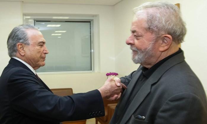 Lula dá conselhos a Temer e diz estar à disposição para diálogo: 'Me chama'